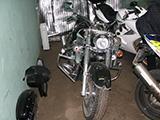 Повреждения переднего крыла мотоцикла Honda VTX 1300 S после ДТП